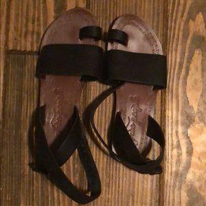 Black free people wrap sandals